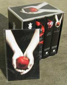 Twilight Saga  4 Book storage case   Thumb